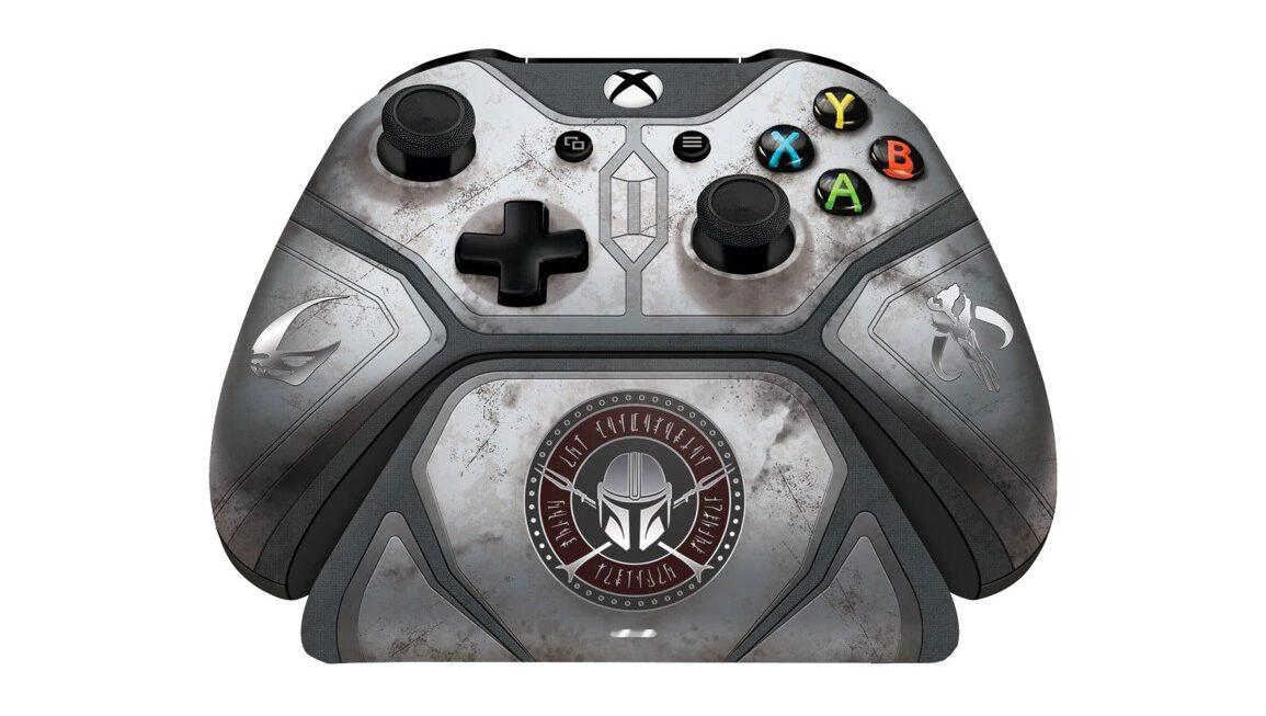 Peperdure Mandalorian controller en charging stand voor de Xbox komen eraan